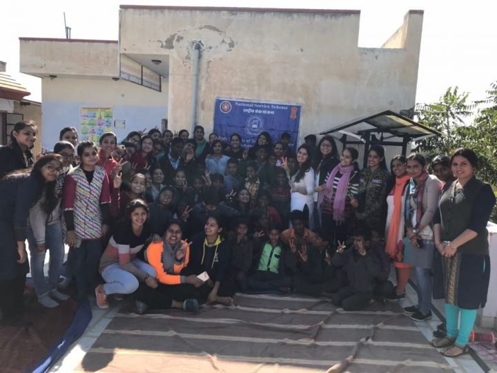 5 720x540 Mody University visits orphanage in Sikar; donates blankets, winter clothes